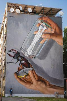 Sisak, Croazia: nuovo pezzo dello street artist croato Lonac per il Think Sisak 2016 Festival.