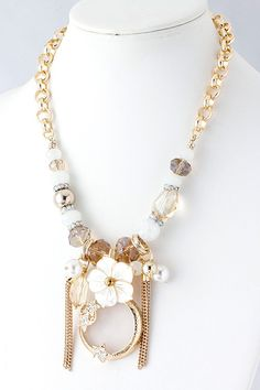 Crystal Bead Necklace...thinking I could make this.