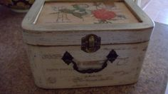 Caja decorada con sellos