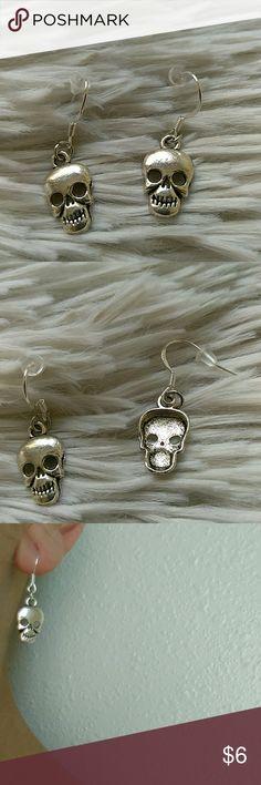 "*25% off 3* Silver Skull Fashion Earrings New in package- silver tone- alloy metal- lead & nickle free- .925 hooks- 1"" (h) x .3"" (w) boutique Jewelry Earrings"