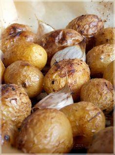 Fűszeres héjában sült burgonya - ...konyhán innen - kerten túl...