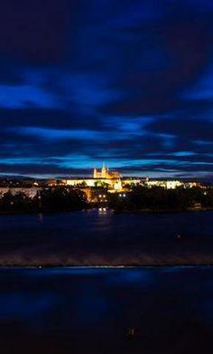 The castle at night, Prague, Czechia Prague Castle, Czech Republic, Travel Tips, Clouds, River, Night, City, World, Outdoor