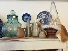 Old glass jars and pots are nice as a decoration item in any kitchen.