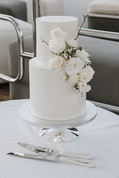 wedding cakes classic Linny and Yens stunning harbour wedding is the essence of modern Sydney elegance. The classic bride chose the sleeveless AUBREY gown by Karen Willis Holmes. Photographed by Folk and Floral Wedding Cakes, Wedding Cakes With Cupcakes, White Wedding Cakes, Elegant Wedding Cakes, Wedding Cakes With Flowers, Beautiful Wedding Cakes, Wedding Cake Designs, Wedding Cake Toppers, Beautiful Cakes