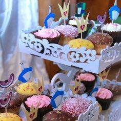 """Topper para docinhos e cupcakes. Tema """"Alice no País das Maravilhas"""""""