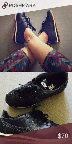 3f128fae0d1 Black wht tan NIKE CLASSIC CORTEZ LUX SNEAKER 7.5 NIB Never worn! NIKE W  classic Cortez leather Lux ladies sneaker black style  861660 004 SIZE 7.5  - NIKE ...