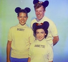 Bobby Burgess, Jimmie Dodd and Annette Funicello Annette Funicello, Disney Love, Disney Magic, Disney Hub, Original Mickey Mouse Club, Vintage Disney, Vintage Tv, Vintage Stuff, Old Tv Shows