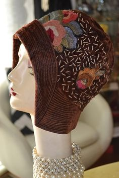 vintage 20's flapper art deco embroidered cloche hat velvet metallic chenille