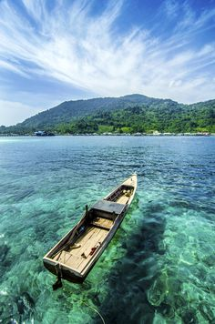 Anambas island which is part of the district is the small island of Anambas Islands outlying territory of Indonesia is very strategic. The Islands are located between Peninsular Malaysia and the islands of Bintan, Riau Islands. Named the best island in Asia by CNN in 2013.