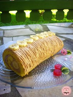 Omiljena rolada s bananama Happy Kitchen, Happiness, Homemade, Ethnic Recipes, Food, Bonheur, Eten, Being Happy, Hand Made