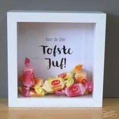 'Toffees' in een lijstje einde schooljaar bedankje Little Presents, Diy Presents, Little Gifts, Easy Diy Crafts, Xmas Crafts, Homemade Gifts, Diy Gifts, Toffee, Toddler Crafts