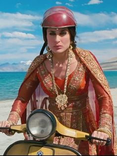 Kareena Kapoor in 3 Idiots wearing a Manish Malhotra. #Bridelan