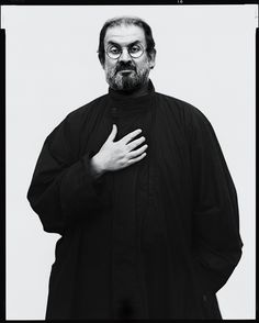 Salman Rushdie - British Indian novelist and essayist. by Richard Avedon, London 1994 Portraits, Portrait Photographers, Richard Avedon Photography, Ian Mcewan, Salman Rushdie, Writers And Poets, Annie Leibovitz, Iconic Photos, Raincoats For Women