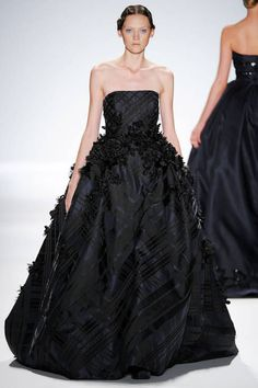 Zang Toi at New York Fashion Week Spring 2014 - Runway Photos Couture Fashion, Runway Fashion, Fashion Beauty, Beautiful Gowns, Dream Dress, Strapless Dress Formal, Ball Gowns, Evening Dresses, Ready To Wear
