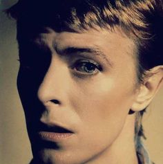 Twiggy's 'Loves To Be Loved' David Bowie Blog
