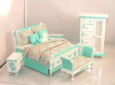 AQUA & gris Art Deco Hollywood Regency 5pc por MiniatureLane Best Bedding Sets, Duvet Sets, Miniature Dollhouse Furniture, Dollhouse Miniatures, Diy Dollhouse, Bedroom Bed, Girls Bedroom, Double Duvet Set, Painted Beds