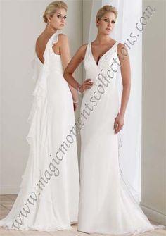 Love the back of this #destinations #weddings #dresses #fashion #moncheri