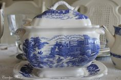 Aiken House & Gardens: Blue & White Transferware Tablescape
