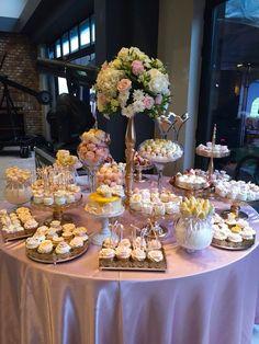 27 Ideas for wedding diy decorations elegant dessert tables Elegant Dessert Table, Dessert Buffet Table, Elegant Desserts, Fun Desserts, Cookie Table Wedding, Wedding Buffet Food, Sweet Table Wedding, Wedding Appetizers, Wedding Desserts