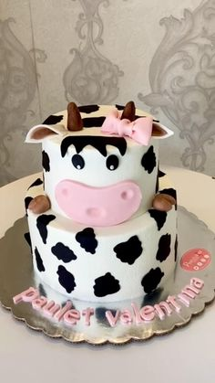 Cow Print Birthday, Farm Birthday Cakes, Cow Birthday Parties, Birthday Ideas, Cow Print Cakes, Cow Cakes, Barnyard Cake, Farm Cake, Baby Girl Cakes