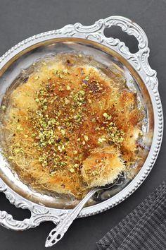 Homemade Kanafeh Healthy Cake Recipes, Fish Recipes, Beef Recipes, Dessert Recipes, Eggless Desserts, Cake Ingredients, Homemade Tacos, Homemade Taco Seasoning, Gourmet