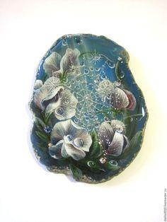 Купить или заказать 'Цветочные фантазии' в интернет-магазине на Ярмарке Мастеров. Очень люблю писать цветы. Они всегда прекрасны и актуальны. Невесомый душистый горошек, нежна роза, робкая дицентра 'разбитое сердце', голубоглазая печёночница... Все они такие прекрасные и такие разные, но всё же имеют одну общую черту - они созданы для того, чтоб радовать женские…