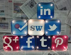 Social meets Hollywood with these light up social icon cubes. Great paperweights and conversation piece.