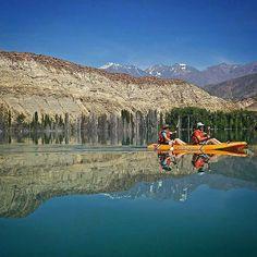 Kayak en un espejo...... perdon, en el Lago de Potrerillos.
