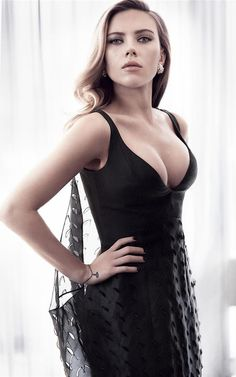 Scarlett Johansson - Sexy Look Snap   Sexy Actress from Heaven - Hot Actress Pics