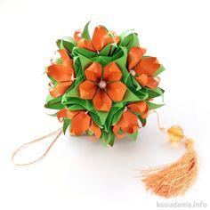 "Flower kusudama w tutorial --  Double Star - Designer: Lukasheva Ekaterina Units: 5*12 Paper: 7.5*7.5 cm Joint: no glue // ""Lazy"" Electra - 4.2*4.2 см, 30 units, glue, tutorial Final height: ~ 12.5 cm"
