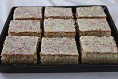 Krispie Treats, Rice Krispies, Cake Recipes, Cake Decorating, Cooking, Desserts, Food, Henna, Kids