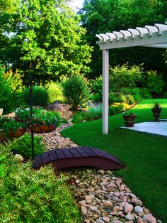 3 Motivated Clever Ideas: Backyard Garden Landscape Money small backyard garden how to make. Small Backyard Landscaping, Landscaping With Rocks, Landscaping Ideas, Backyard Ideas, Dry Riverbed Landscaping, Backyard Patio, Patio Ideas, Hydrangea Landscaping, Inexpensive Landscaping