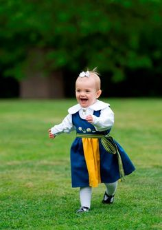 BABY PRINCESS ESTELLE!! of Sweden--too much cute.