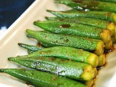 Pan-Fried Okra with Ginger Marinade Recipe - How are you today? How about making Pan-Fried Okra with Ginger Marinade? Vegetable Dishes, Vegetable Recipes, Vegetarian Recipes, Healthy Recipes, Healthy Food, Okra Recipes, Asian Recipes, Cooking Recipes, Baked Okra