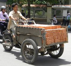 Inusable Triporteur Motorisé by tamycoladelyves, via Flickr