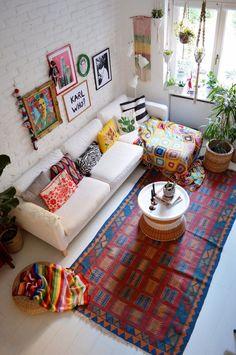 Diy Living Room Decor, Home Decor Bedroom, Living Room Designs, Indian Room Decor, Ethnic Home Decor, Colourful Living Room, Indian Living Rooms, Deco Boheme Chic, Boho Chic