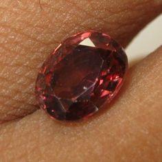 Batu Mulia Asli Alami ~ Pinkish Orange Zircon 2.55 cts