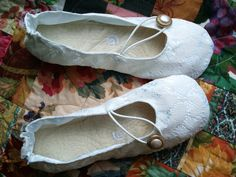 Hey, I found this really awesome Etsy listing at https://www.etsy.com/listing/155592786/bridal-lace-ivory-ballet-flats-shoo-shis
