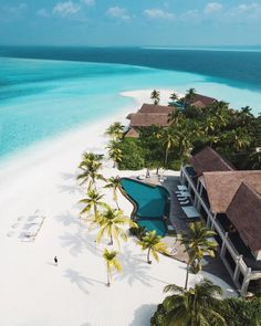 Four seasons private island, Maldives. 💲Tag someone that needs to see this! 💲 Check Out For More👉🏻❤ ❤ ✨ ✨ ✨ ✨ ✨ - Vacation Places, Dream Vacations, Vacation Spots, Places To Travel, Places To Go, Vacation Mood, Vacation Travel, Beautiful Hotels, Beautiful Beaches