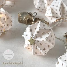 Origami for Everyone – From Beginner to Advanced – DIY Fan Christmas Origami, Christmas Paper, Christmas Crafts, Christmas Decorations, Christmas Ornaments, Origami Fish, Diy Origami, Origami Paper, Paper Quilling