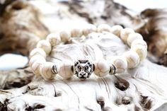 Men's Lion Head Bracelet, with Howlite stone beads. Bracelets For Men, Beaded Bracelets, Men's Jewelry, Stone Beads, Gallery, Silver, Gifts, Handmade, Accessories