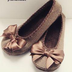 Домашние балетки#домашняя_обувь#пряжа#бантики#крючок#крючком#вяжу#вяжу_сама#вяжем_крючком#вязание_крючком#хобби#хэндмэйд#рукодельница#рукоделие#вязаный_мир#вязаные_вещи#вяжут_не_только_бабушки#идея#креатив#knit#knitting#knit_love#crochet#handmade#схема_в_группе#золотые_руки#своими_руками#свяжу_на_заказ#