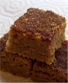 Snickerdoodle Bars-Ingredients 2 cups all purpose flour 1 tsp baking powder 2 sticks butter, softened 1 cups white sugar cup brown sugar 3 eggs 1 tsp vanilla 1 Tbsp cinnamon & 2 Tbsp sugar combined Glaze: 1 cup powdered sugar 3 Allergy Free Recipes, Stick Of Butter, Cookies Et Biscuits, Bar Cookies, Cooking Recipes, Bar Recipes, Quick Recipes, Sweet Tooth, Sweet Treats