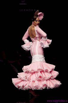 Resultado de imagen de traje de flamenca verde y rosa 2011