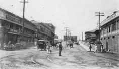 Sta Cruz bridge in the Armscorp.note right hand drive. Philippines Culture, Manila Philippines, Retro Pi, Or Noir, Photo Essay, Vintage Pictures, Old Photos, Past, Street View