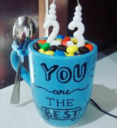 Presente de aniversario para ir dentro da caixa surpresa com brigadeiro dentro Brother Presents, Birthday Gifts, Happy Birthday, Birthday Ideas, Gifts For Your Boyfriend, Creative Gifts, Happy B Day, Homemade Gifts, Cute Gifts