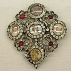 Portrait Brooch, early 18th century, glass and metal