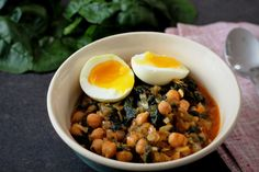 Chickpea and Spinach Stew Kale, Spinach, Food Trends, Sauerkraut, Mediterranean Style, Food Hacks, Sprouts, Stew, Pregnancy