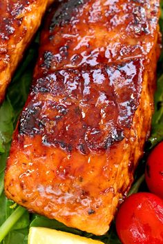 This Honey-glazed Salmon is sticky-sweet with savory notes pan-seared into crispy charred goodness while keeping the meat tender and juicy salmon fish easyrecipe quickandeasy pan-seared low-carb dinner maindish Healthy Salmon Recipes, Fish Recipes, Seafood Recipes, Cooking Recipes, Healthy Dinner Recipes, Grilled Salmon Recipes, Vegetarian Recipes, Salmon Recipe Pan, Gourmet