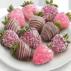 Shari's Berries™ Limited Edition Chocolate Dipped A Baby Girl!- Shari's Berries™ Limited Edition Chocolate Dipped A Baby Girl! Strawberries – … Shari's Berries™ Limited Edition Chocolate Dipped A… - Valentines Day Treats, Holiday Treats, Valentine Gifts, Valentine Desserts, Funny Valentine, Chocolate Dipped Strawberries, Strawberry With Chocolate, Wedding Strawberries, Strawberry Dip